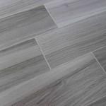 pavimento piastrella simil legno